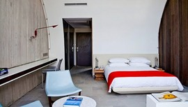 寝室,ベッドルーム,広い,テラス